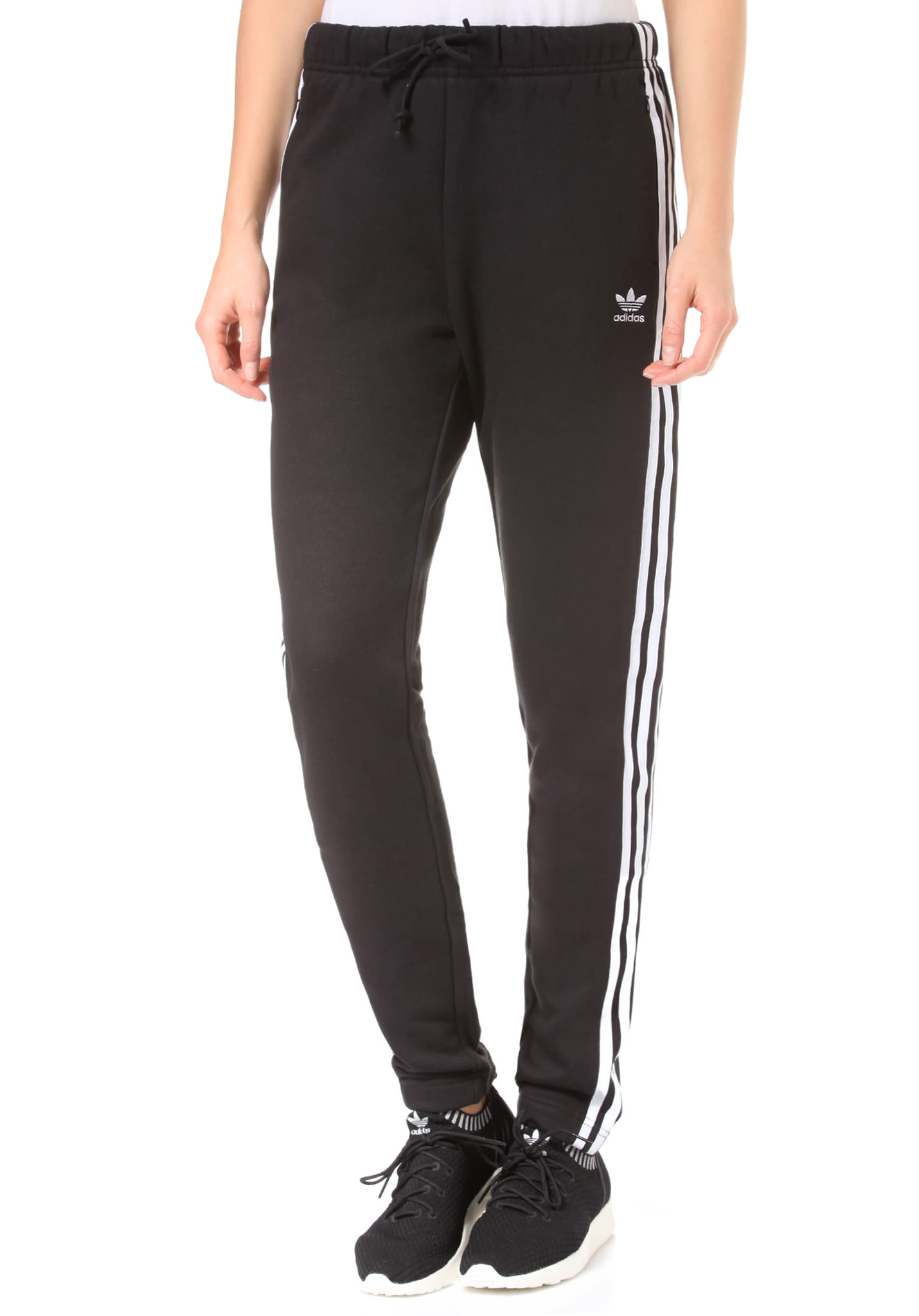 6f7ed4e0e8eb7 ADIDAS ORIGINALS Regular Cuffed - Pantalon de survêtement pour Femme - Noir  - Planet Sports