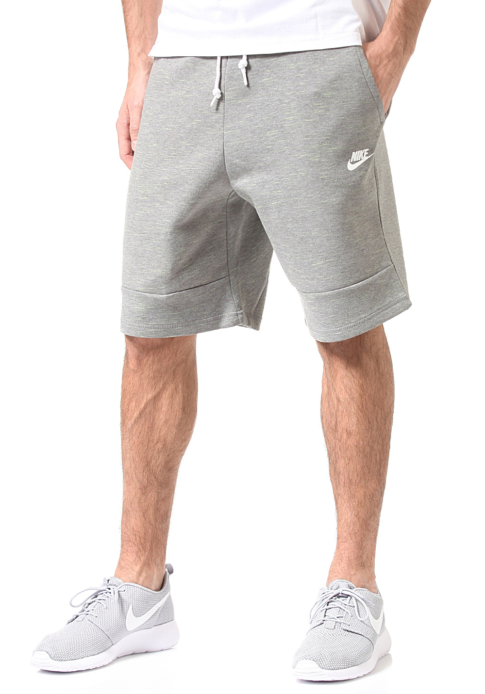 nike sportswear tech fleece 1mm short pour homme gris planet sports. Black Bedroom Furniture Sets. Home Design Ideas