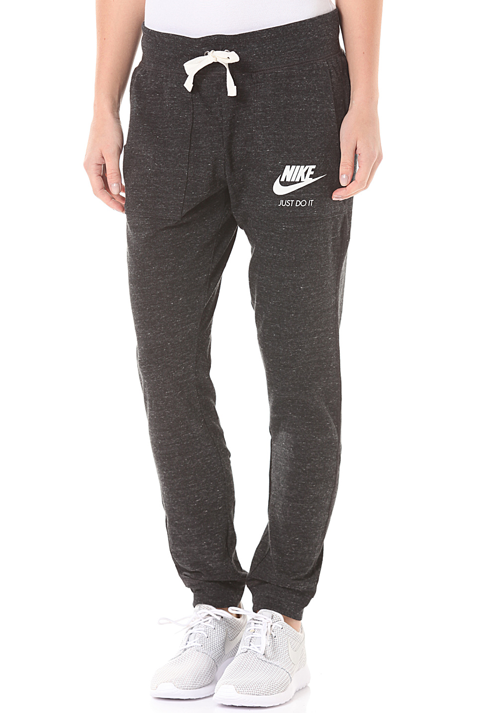 nike sportswear gym vintage pantalon de surv tement pour femme noir planet sports. Black Bedroom Furniture Sets. Home Design Ideas